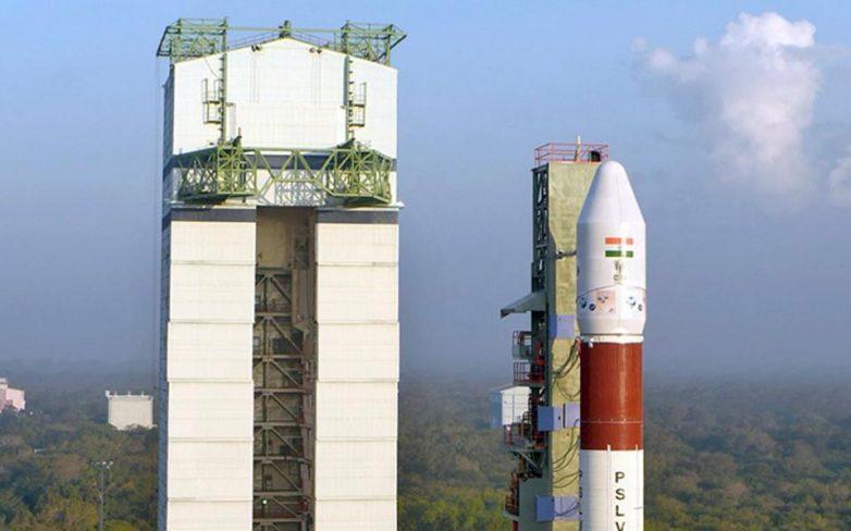 Ινδία: Επιτυχής εκτόξευση 104 δορυφόρων στο διάστημα