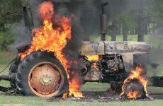 Φωτιά σε τρακτέρ στο Σέσκλο