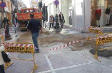 Αποκατάσταση- συντήρηση φθαρμένου οδοστρώματος στην διασταύρωση των οδών Σπ. Σπυρίδη-Ερμού