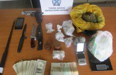 Συνελήφθη με ναρκωτικά ,όπλα και παραχαραγμένα νομίσματα