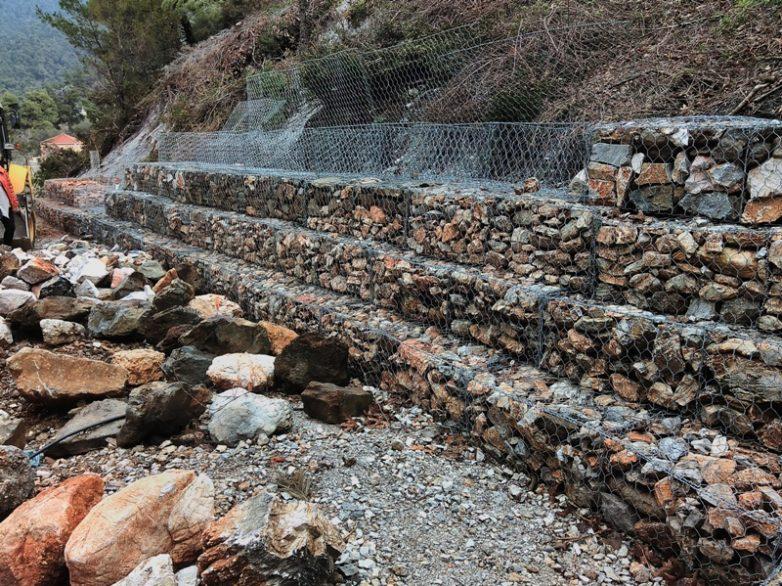 Αποκατάσταση ζημιών από θεομηνία στην Παραλλαγή και στην Επαρχιακή Οδό Νήσου Σκοπέλου