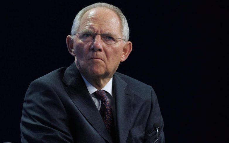 SPD: Ο Σόιμπλε συγκάλυψε την υπόθεση κατασκοπείας φορολογικών αρχών από την Ελβετία