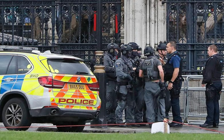 Τέσσερις νεκροί από τη διπλή επίθεση στο Λονδίνο