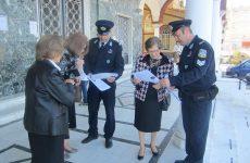 Ενημέρωση πολιτών από αστυνομικούς γειτονιάς για αποτροπή  περιστατικών εξαπάτησης