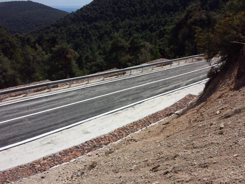 Έργα οδικής ασφάλειας 300.000 σε Μαγνησία και B. Σποράδες από την Περιφέρεια Θεσσαλίας
