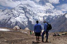 O Λευτέρης Παρασκευάς και ο Νίκος Μαγγίτσης στο Νεπάλ