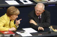 Συζητούν 10ετή παράταση για το χρέος