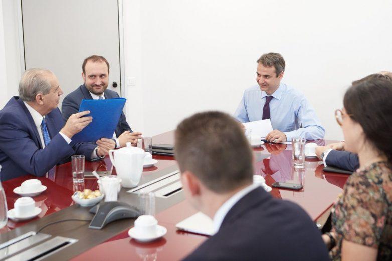 Συνάντηση Μητσοτάκη με εκπροσώπους επιστημονικών φορέων