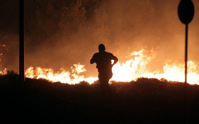 Φωτιά καίει στη Σκόπελο