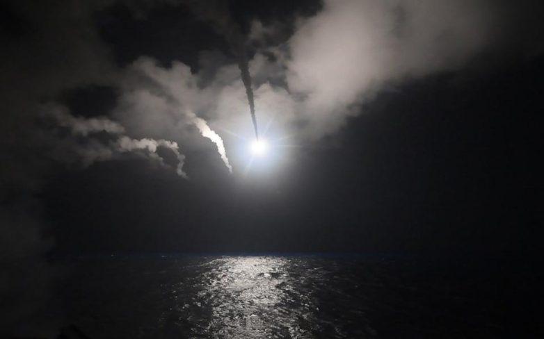 Επίθεση των ΗΠΑ με 59 πυραύλους «Τόμαχοκ» εναντίον αεροπορικής βάσης στη Συρία- Το παρασκήνιο της απόφασης Τραμπ