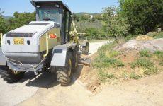 Καθαρισμός ρείθρων και πρανών σε εθνικό και επαρχιακό οδικό δίκτυο στη Μαγνησία