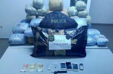 Θα διακινούσαν 65 κιλά κάνναβης, αλλά συνελήφθησαν στην Καλαμπάκα