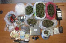 Συνελήφθησαν στην Καρδίτσα με κάνναβη, χάπια και αφορολόγητο καπνό