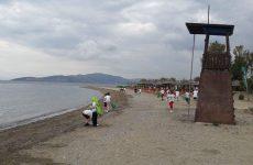Καθαρίστηκε η παραλία στα Κάτω Λεχώνια