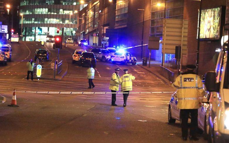 Τρόμος στο Μάντσεστερ: 22 νεκροί από τρομοκρατική επίθεση σε συναυλία
