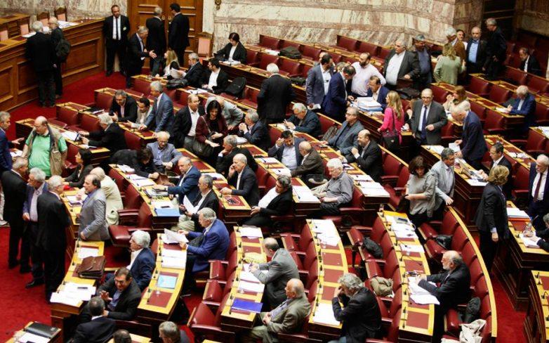 Βουλή: Κλίμα έντασης για το Σκοπιανό