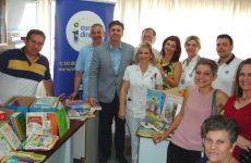 Προσφορά βιβλίων στο Γενικό Νοσοκομείο Λάρισας