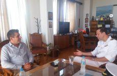 """Εθιμοτυπική επίσκεψη του Κυβερνήτη  της Φ/Γ """"Σπέτσες"""" στο Δημαρχείο Βόλου"""