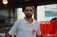Συνεχίζει στην ομάδα μπάσκετ του  Ολυμπιακού Βόλου ο Θωμάς Καραγεώργος