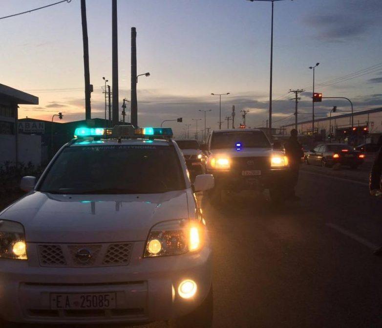 Καταδρομική επίθεση με βαριοπούλες σε υποκατάστημα των ΕΛΤΑ στον Ταύρο