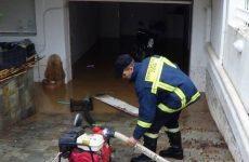 Λαμία: Γλίστρησε στα νερά της βροχής και σκοτώθηκε