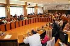 Αποδοκίμασε το Περιφερειακό Συμβούλιο Θεσσαλίας τον ρασοφόρο που βεβήλωσε το Μνημείο του Ολοκαυτώματος