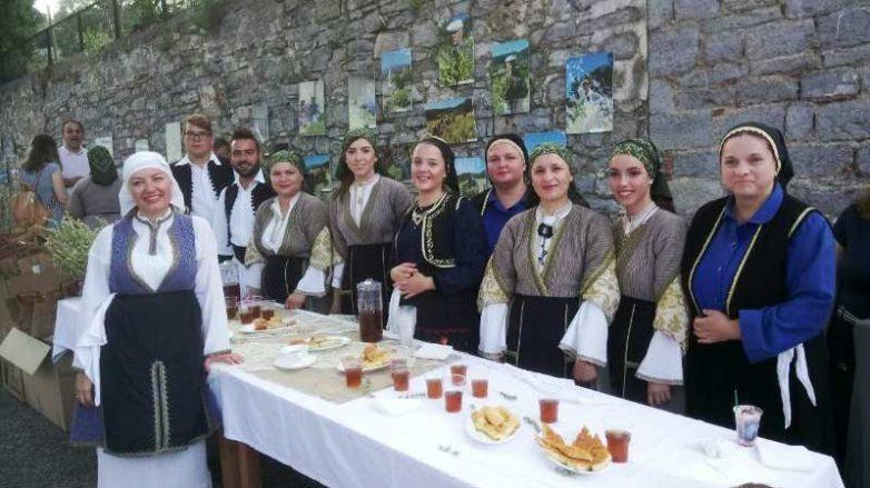 """Επιτυχημένη εκδήλωση για το τσάι από τη """"Μαγνήτων Κιβωτό """" στη Βρύναινα"""