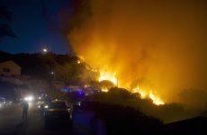 Χάος στην νότια Γαλλία από τις φωτιές