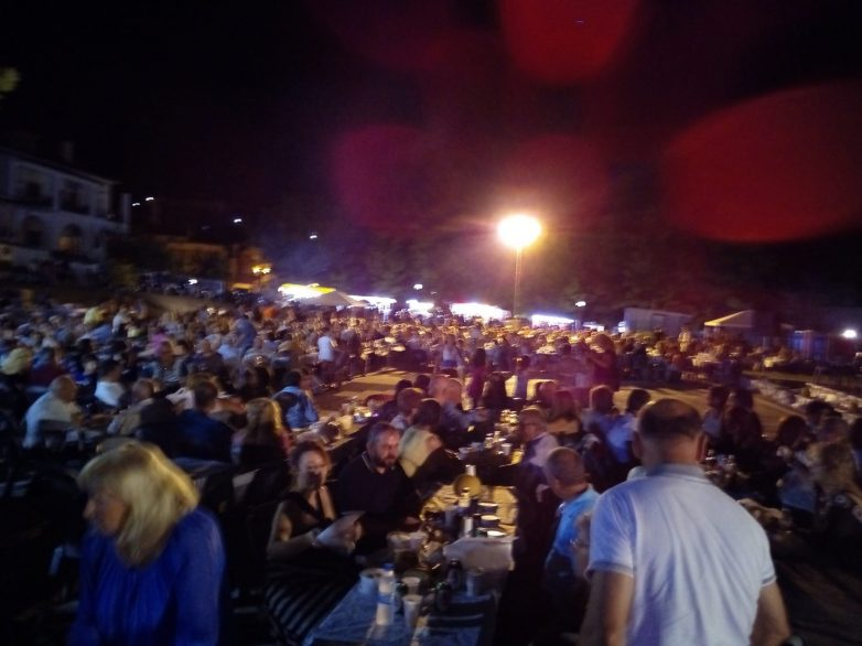 Γιορτή Πεπονιού με τη Στέλλα Κονιτοπούλου στην Πλατεία του Διμηνίου