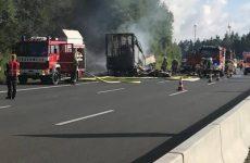 Τραγωδία στη Γερμανία: ανατράπηκε λεωφορείο