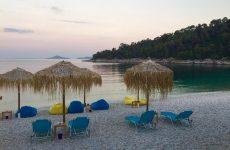 Αφαίρεση του βραβείου «Γαλάζια Σημαία» από 19 ελληνικές ακτές