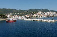 Με διαδοχικές παρατάσεις ο μειωμένος ΦΠΑ στα νησιά