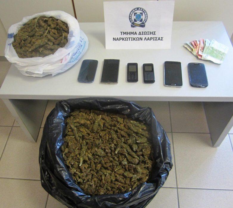 Σύλληψη τεσσάρων αλλοδαπών με εννέα κιλά κάνναβη