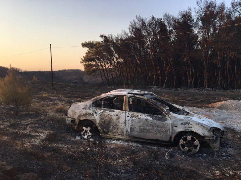 Φωτιά σε εν κινήσει αυτοκίνητο στη Ν.Ιωνία