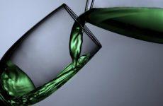 Το πρώτο κρασί στον κόσμο παρασκευασμένο από ινδική κάνναβη και σταφύλι