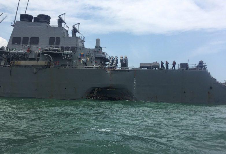 Σιγκαπούρη: Δέκα αγνοούμενοι μετά τη σύγκρουση αντιτορπιλικού των ΗΠΑ με δεξαμενόπλοιο
