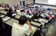 Το εισιτήριο πήρε ο ένας στους δύο φοιτητές υπό μετεγγραφή