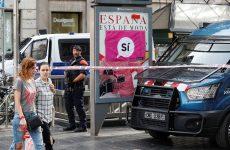 Καταλωνία: Σφίγγει τον κλοιό η ισπανική κυβέρνηση – Αποκλεισμός εκλογικών κέντρων από την αστυνομία