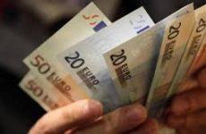 Στα 9.433 ευρώ ανέρχεται το μέσο διαθέσιμο εισόδημα των Ελλήνων