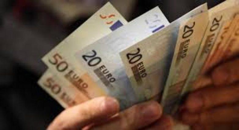 Υστέρηση σε δημόσιες επενδύσεις και κοινωνικές δαπάνες στο 11μηνο