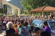 Θλίψη και οργή στην κηδεία του μικρού Νίκου στα Φάρσαλα