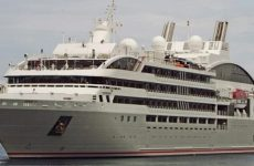Στο λιμάνι του Βόλου το πολυτελές κρουαζιερόπλοιο «Le Lyrial»