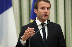 Διάγγελμα Μακρόν: Αποδοκιμασία της βίας, αλλά και αυξήσεις 100 ευρώ στους μισθούς