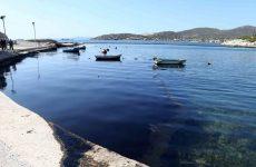 Υπό εξέταση δείγματα και από τα καύσιμα του Blue Star Patmos για τη ρύπανση στον Σαρωνικό