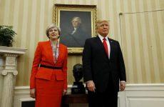 Mέι: Η πρόσκληση προς τον Τραμπ να επισκεφθεί τη Βρετανία ισχύει
