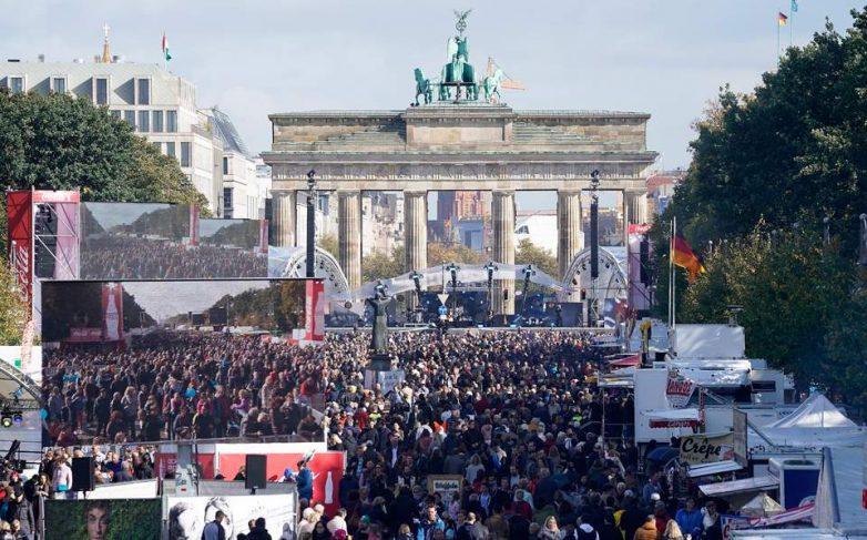 Γερμανία: Παραμένουν οι διαφορές, σχεδόν τρεις δεκαετίες μετά την επανένωση