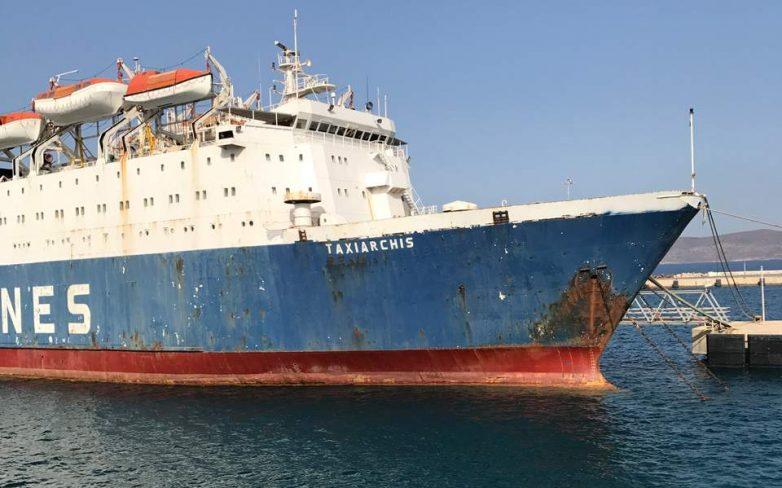 Γεμάτα με ναυάγια και κουφάρια πλοίων τα λιμάνια της Αττικής