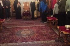 Με τους αναγνώστες και ιερόπαιδες της Μητρόπολης Δημητριάδος ο επίσκοπος Ιγνάτιος