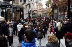 Εντείνεται η κόντρα για το άνοιγμα εμπορικών καταστημάτων τις Κυριακές