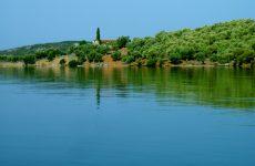 Νησίδες τού μεγέθους τού Αλατά, απαγορεύεται νά χτιστούν